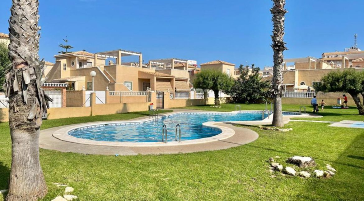 2 Bedrooms Ground Floor Bungalow with Swimming Pool - Torrevieja (3)