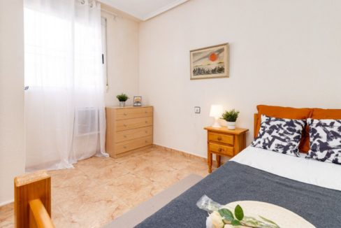 2 Bedrooms Upstairs Bungalow with Pool For Sale in Torrevieja (20)