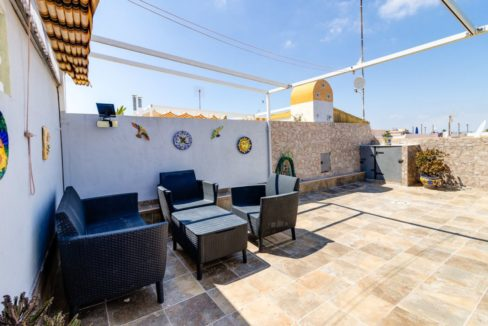 2 Bedrooms Upstairs Bungalow with Pool For Sale in Torrevieja (4)