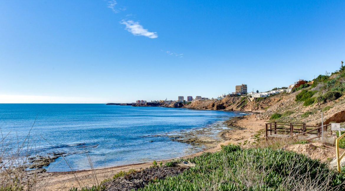 2 Bedrooms and 2 Bathrooms Apartment For Sale with Sea View in Torrevieja (1)