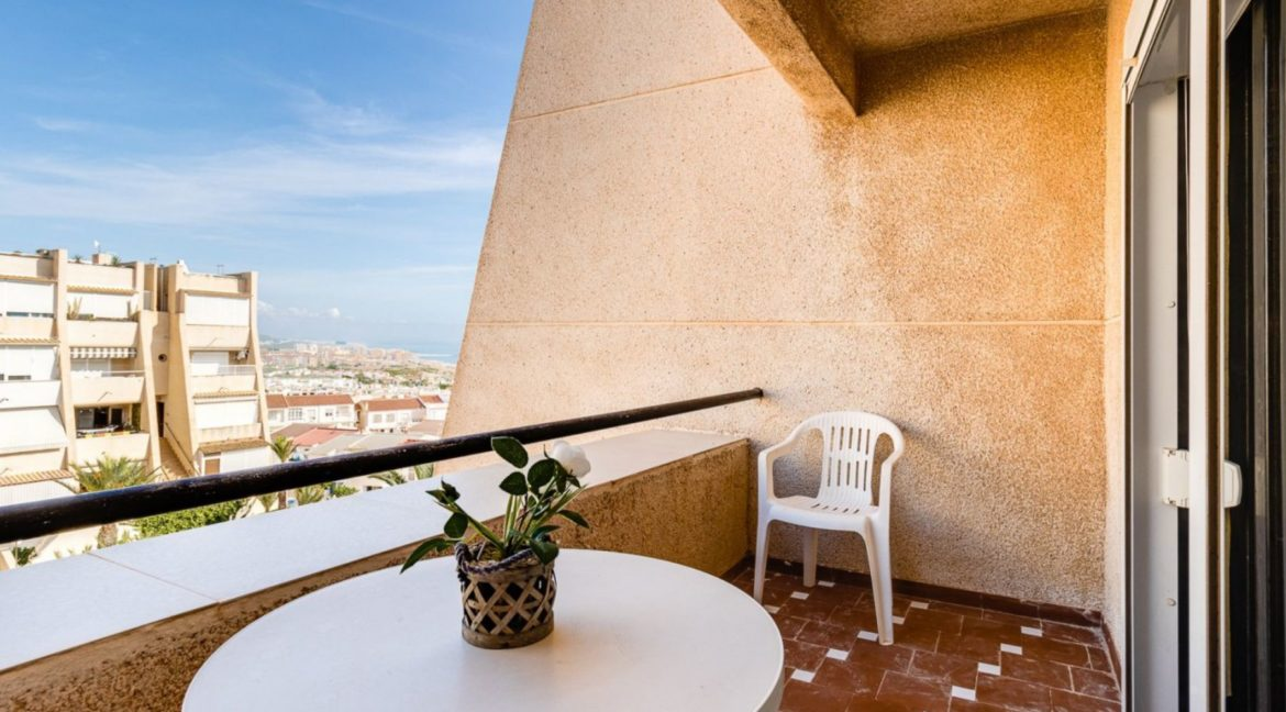 2 Bedrooms and 2 Bathrooms Apartment For Sale with Sea View in Torrevieja (12)