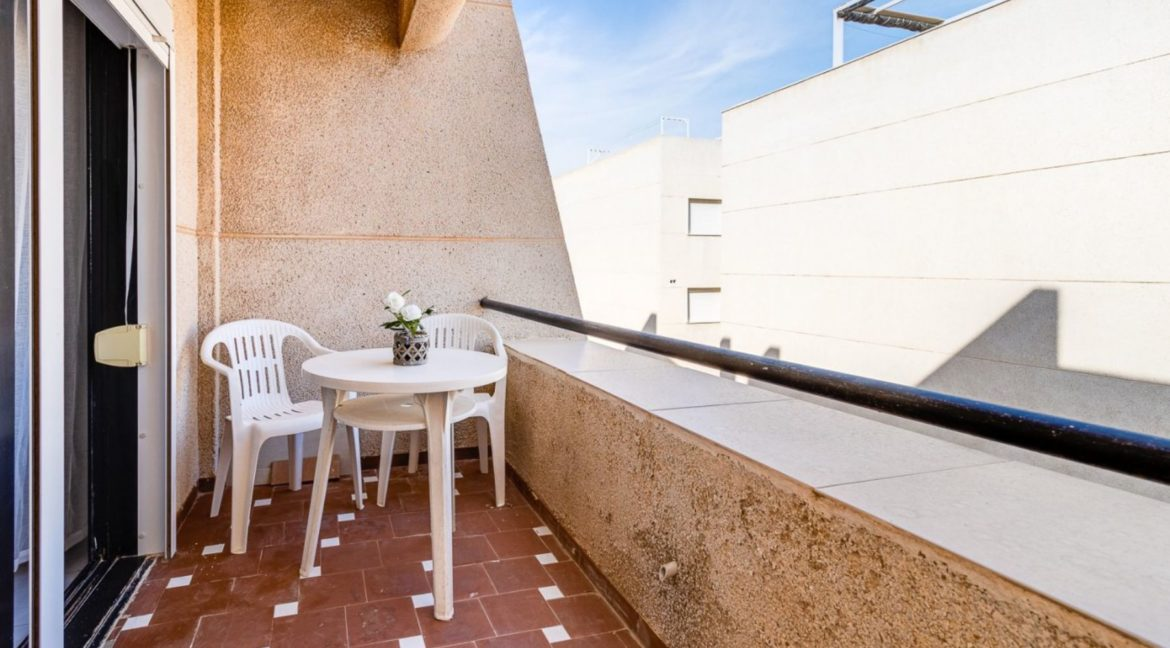 2 Bedrooms and 2 Bathrooms Apartment For Sale with Sea View in Torrevieja (14)