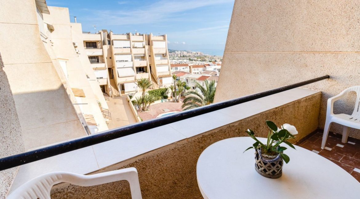 2 Bedrooms and 2 Bathrooms Apartment For Sale with Sea View in Torrevieja (15)