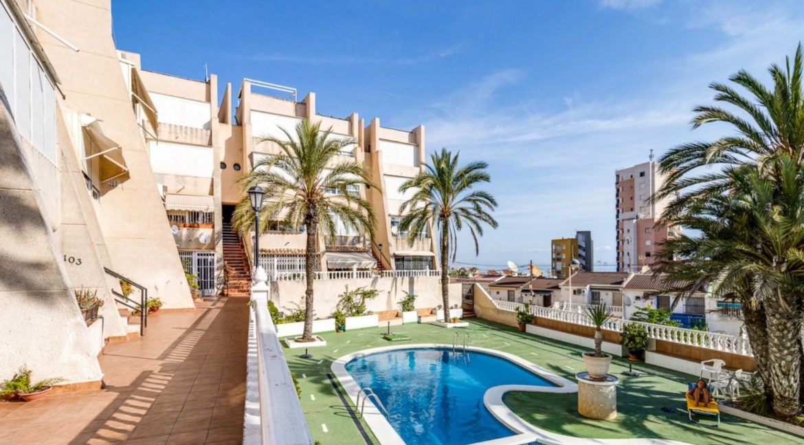 2 Bedrooms and 2 Bathrooms Apartment For Sale with Sea View in Torrevieja (16)