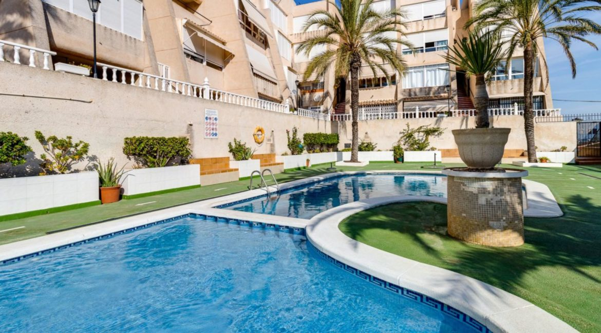 2 Bedrooms and 2 Bathrooms Apartment For Sale with Sea View in Torrevieja (21)
