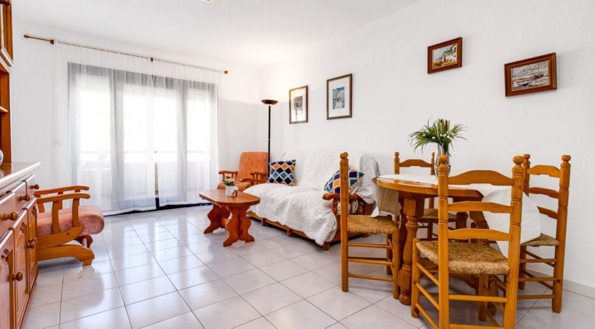 2 Bedrooms and 2 Bathrooms Apartment For Sale with Sea View in Torrevieja (26)
