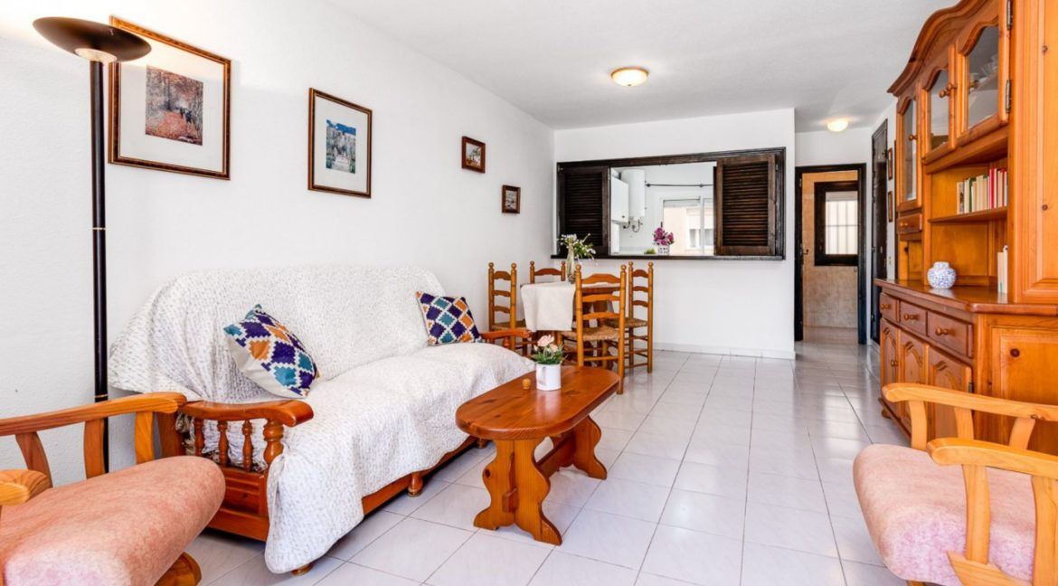 2 Bedrooms and 2 Bathrooms Apartment For Sale with Sea View in Torrevieja (27)