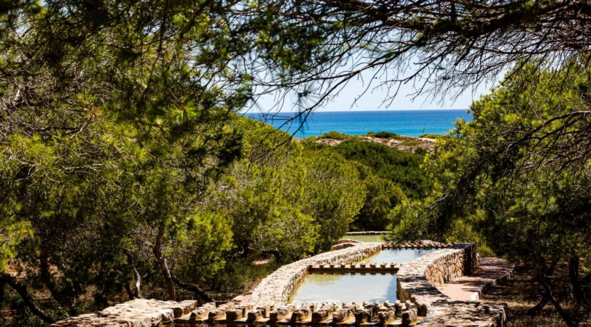 2 Bedrooms and 2 Bathrooms Apartment For Sale with Sea View in Torrevieja (3)