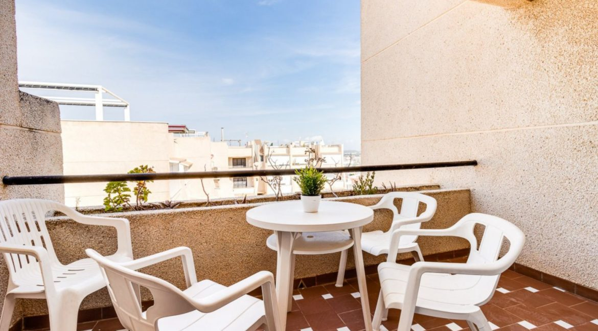 2 Bedrooms and 2 Bathrooms Apartment For Sale with Sea View in Torrevieja (35)