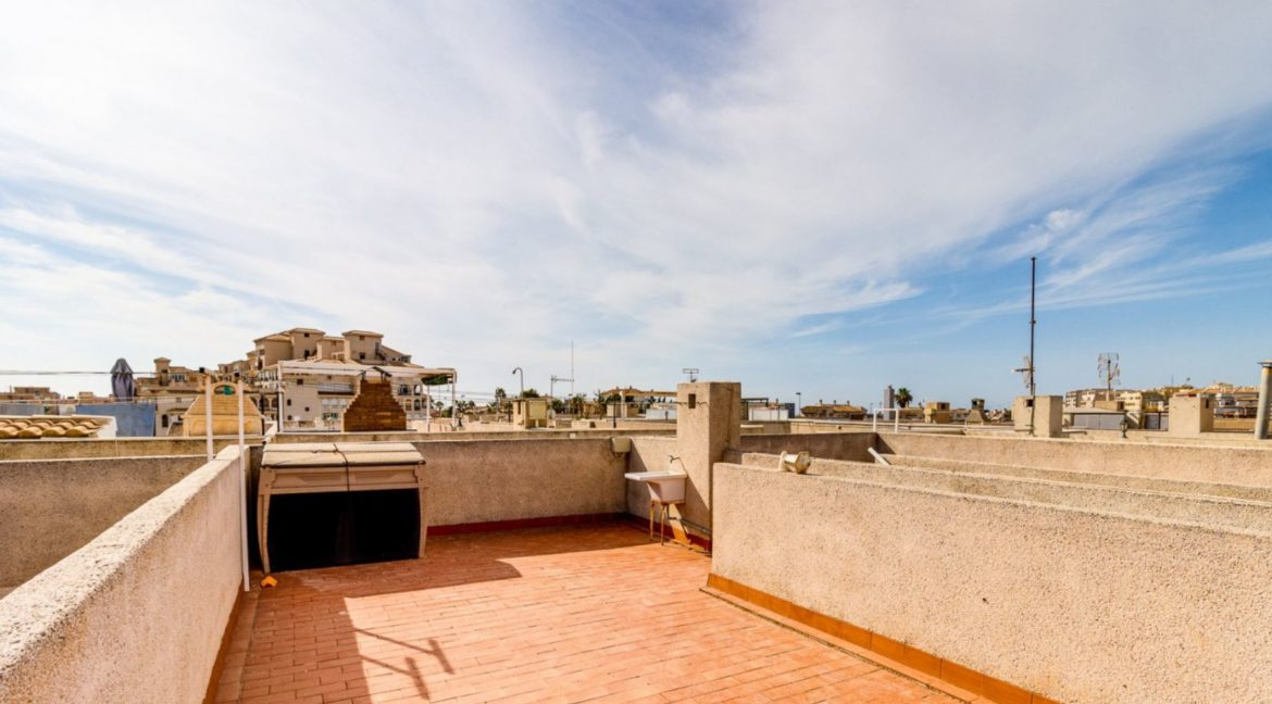 2 Bedrooms and 2 Bathrooms Apartment For Sale with Sea View in Torrevieja (43)