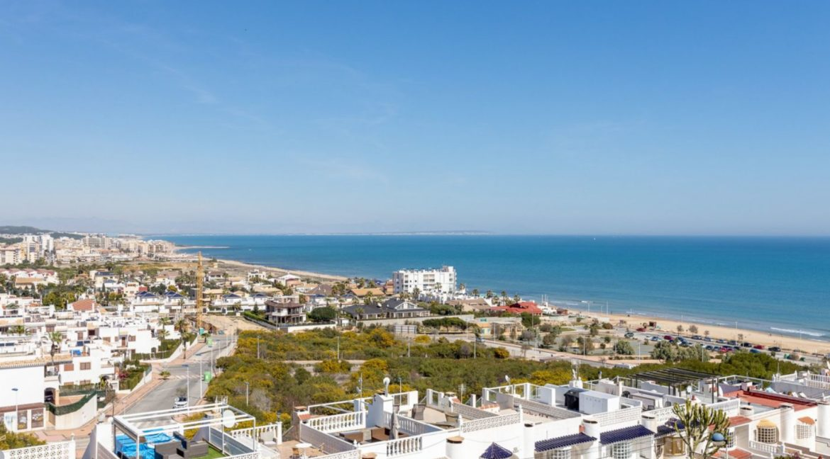2 Bedrooms and 2 Bathrooms Apartment For Sale with Sea View in Torrevieja (45)