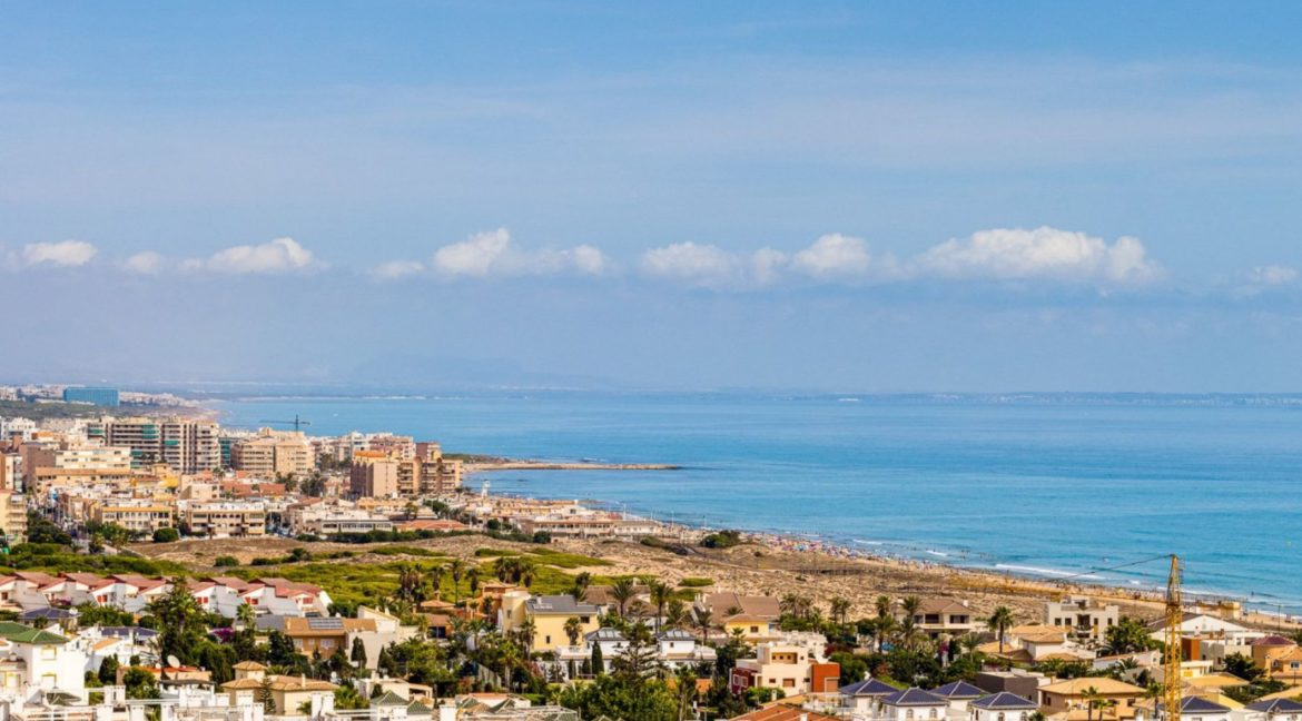 2 Bedrooms and 2 Bathrooms Apartment For Sale with Sea View in Torrevieja (47)