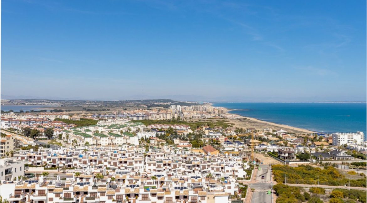 2 Bedrooms and 2 Bathrooms Apartment For Sale with Sea View in Torrevieja (6)