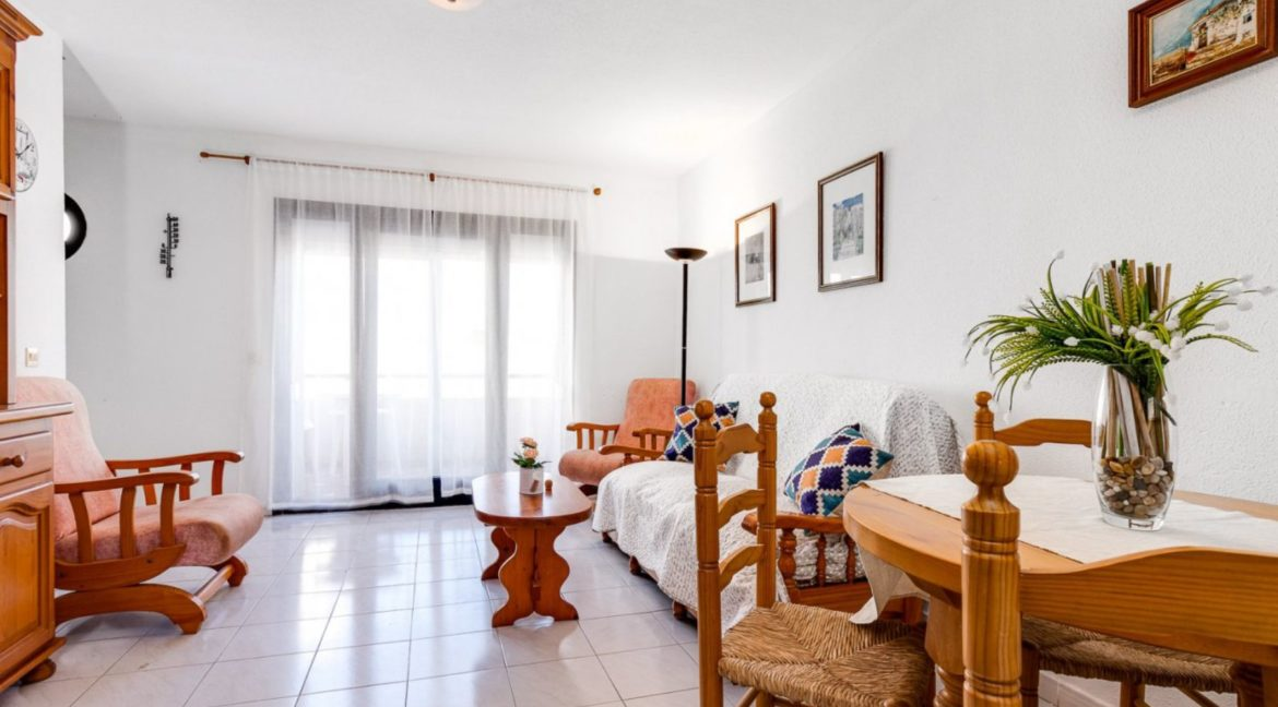 2 Bedrooms and 2 Bathrooms Apartment For Sale with Sea View in Torrevieja (7)