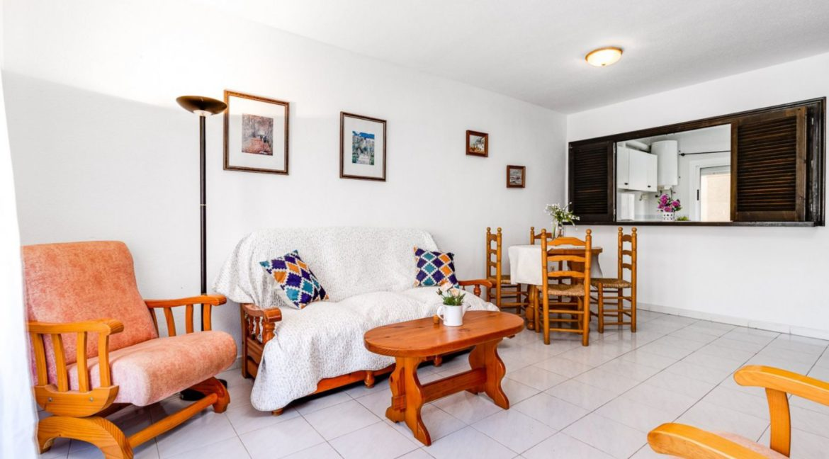2 Bedrooms and 2 Bathrooms Apartment For Sale with Sea View in Torrevieja (8)