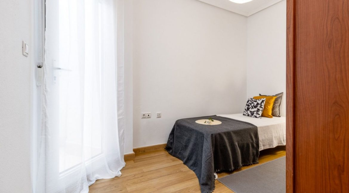3 Bedrooms Apartment For Sale Close to the Services in Torrevieja (12)