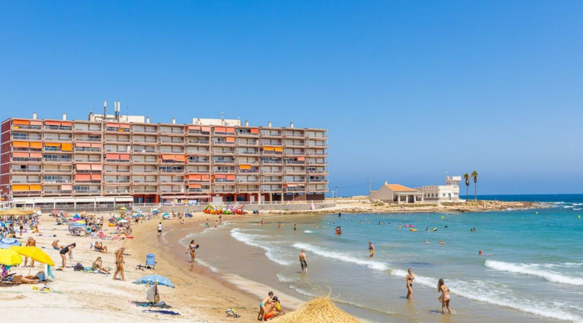 3 Bedrooms Apartment For Sale Close to the Services in Torrevieja (32)