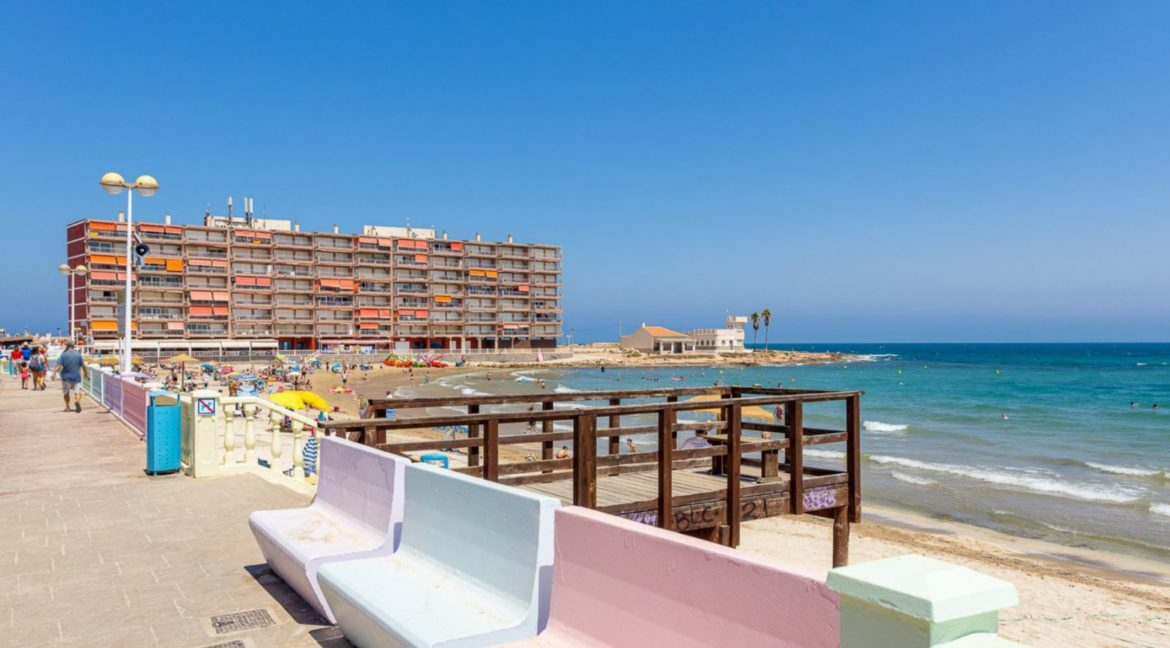 3 Bedrooms Apartment For Sale Close to the Services in Torrevieja (35)