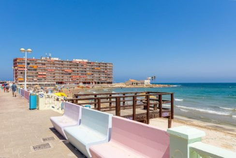 3 Bedrooms Apartment For Sale Close to all Services in Torrevieja