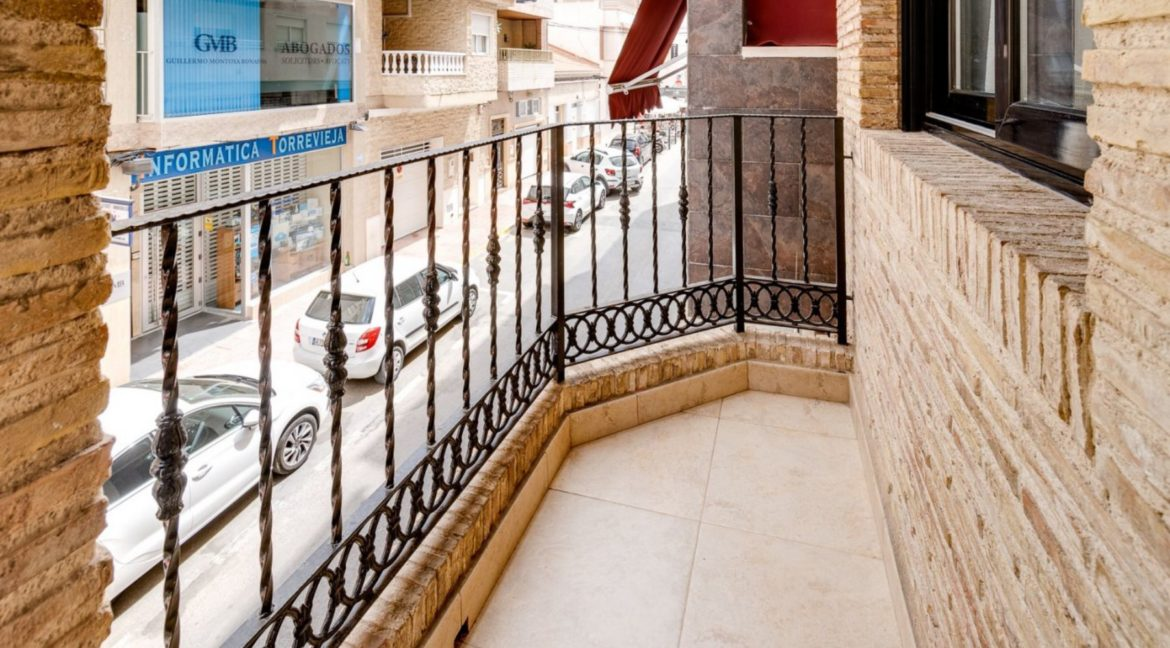 3 Bedrooms Apartment For Sale Close to the Services in Torrevieja (4)