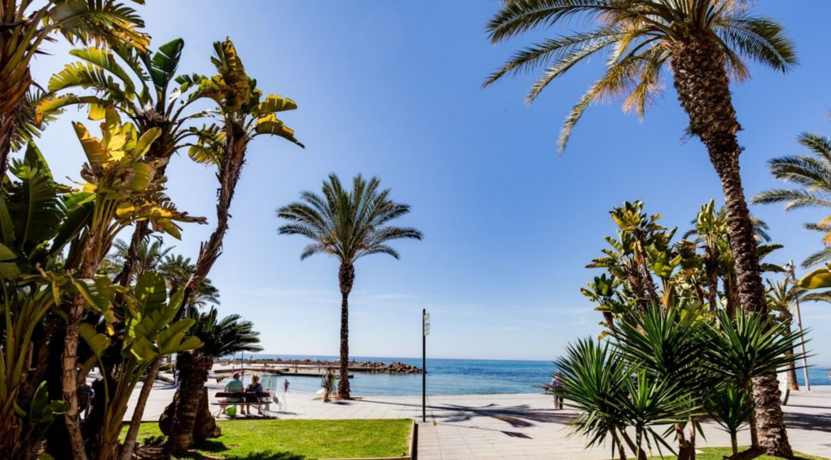 3 Bedrooms Apartment Just 200 Meters from The Beach and Sea Views (1)