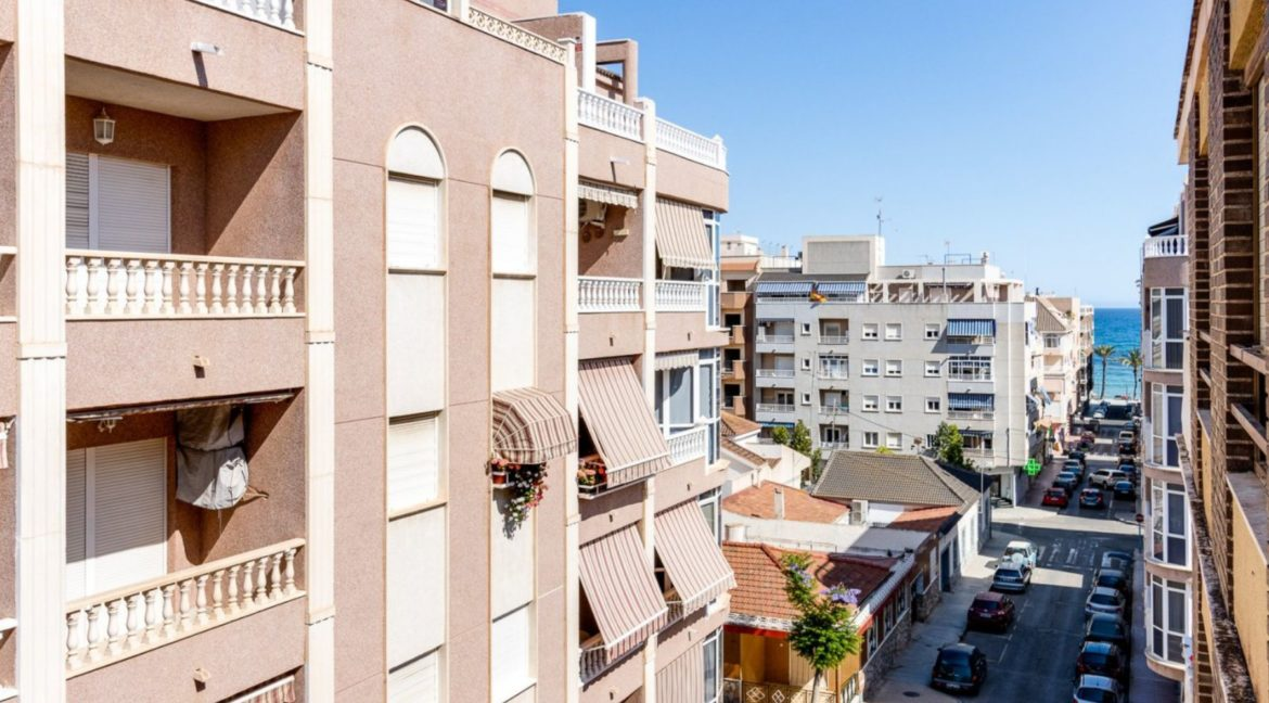3 Bedrooms Apartment Just 200 Meters from The Beach and Sea Views (30)
