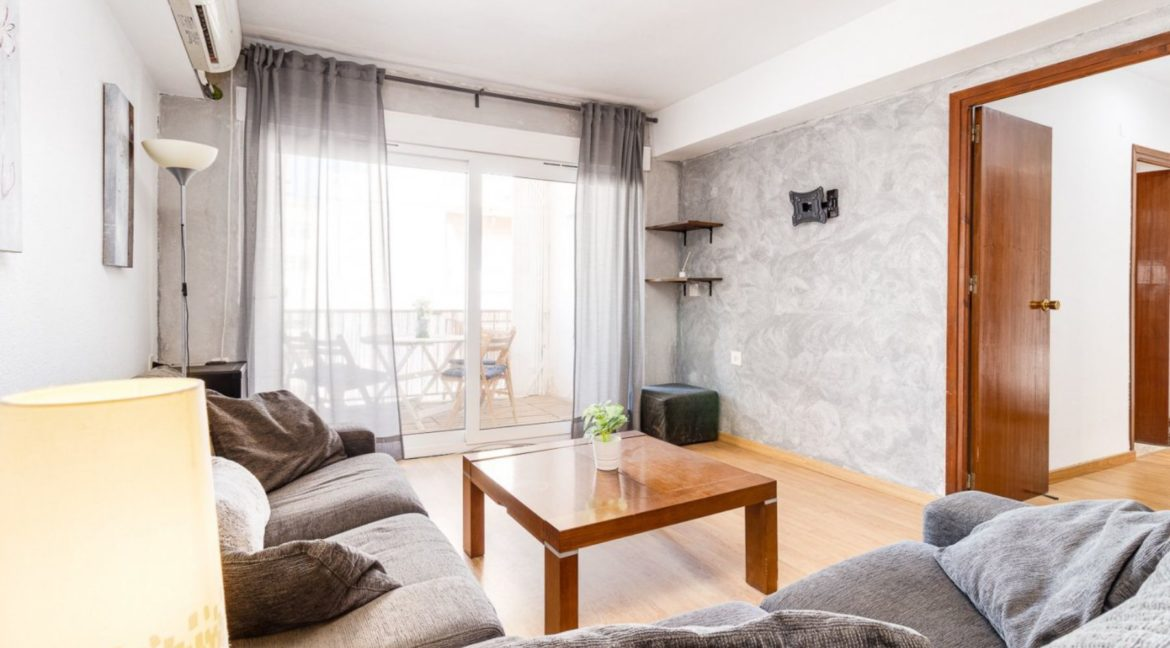 3 Bedrooms Apartment Just 200 Meters from The Beach and Sea Views (5)