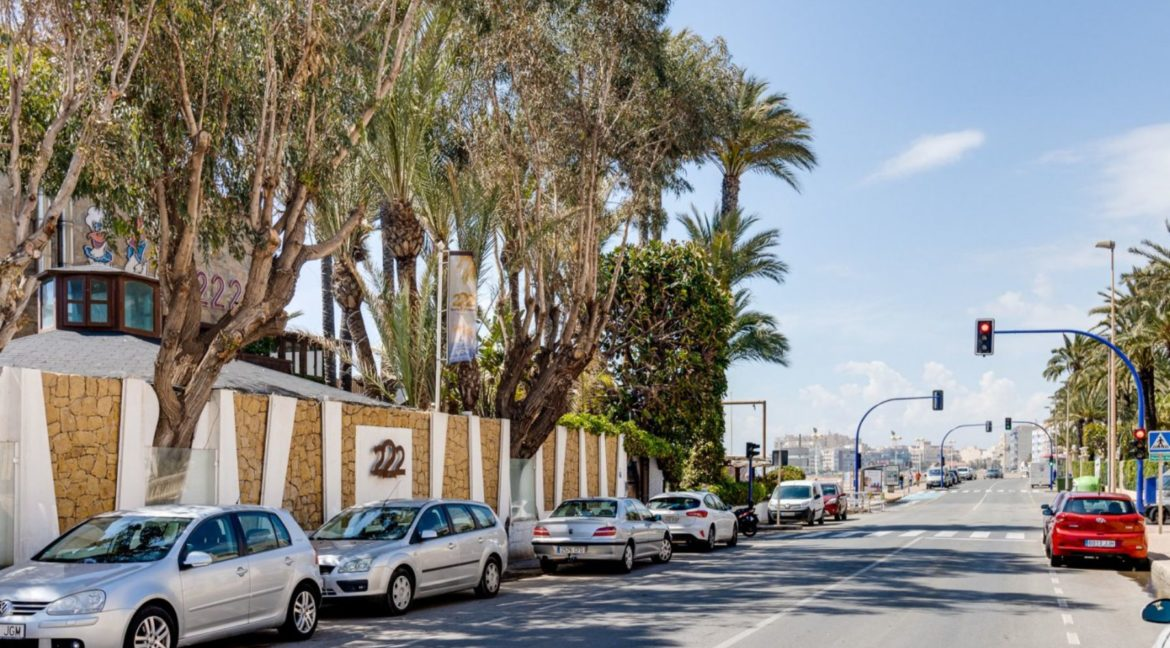 2 Bedrooms Apartment Just 200 meters from Los Locos Beach For Sale - Torrevieja (1)