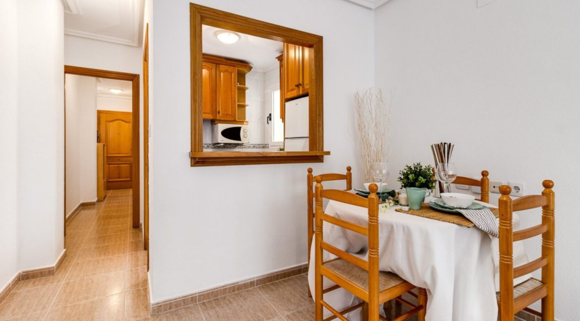 2 Bedrooms Apartment Just 200 meters from Los Locos Beach For Sale - Torrevieja (13)