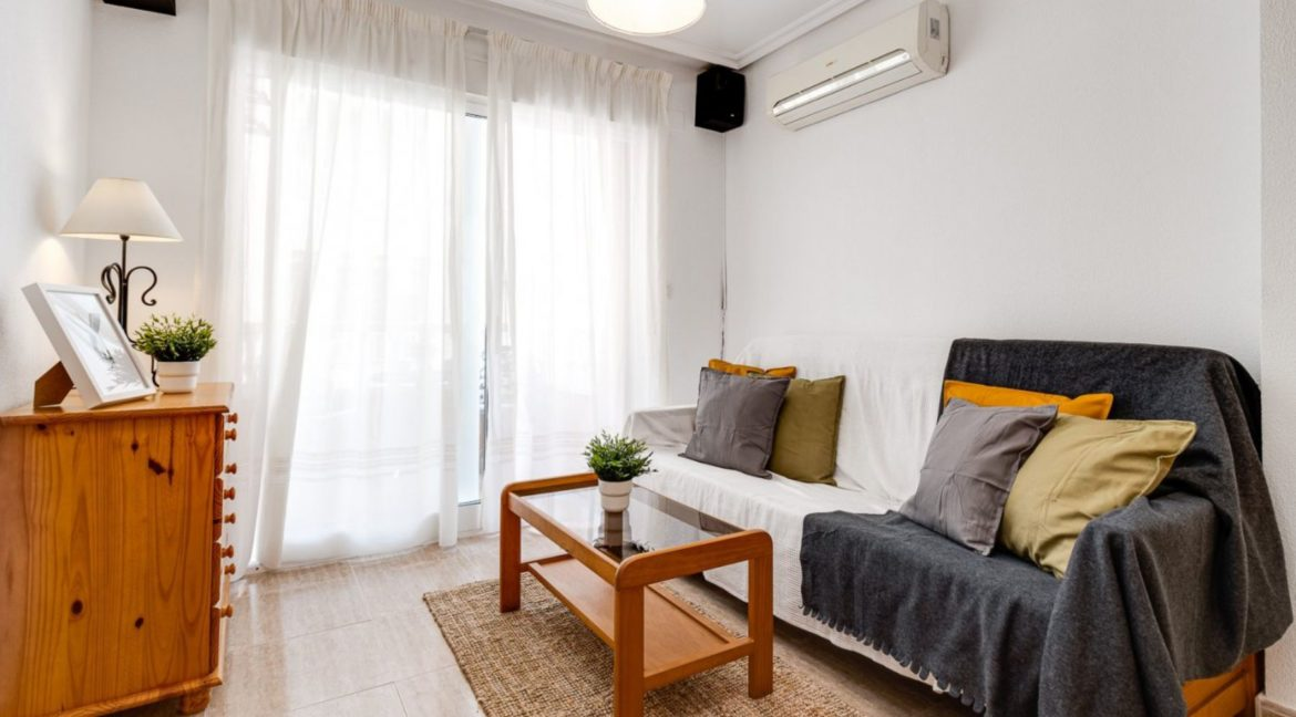 2 Bedrooms Apartment Just 200 meters from Los Locos Beach For Sale - Torrevieja (14)