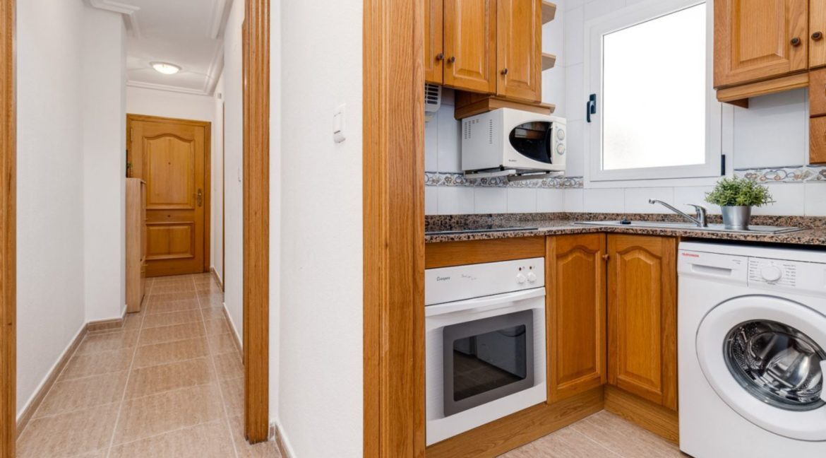 2 Bedrooms Apartment Just 200 meters from Los Locos Beach For Sale - Torrevieja (15)