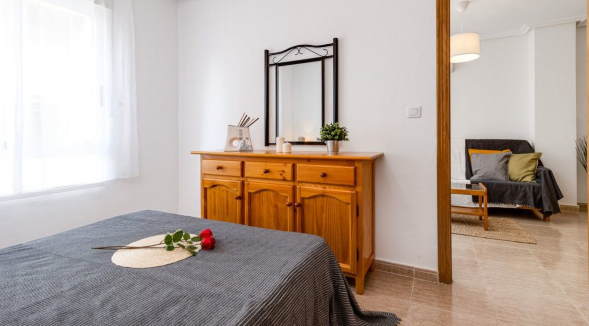 2 Bedrooms Apartment Just 200 meters from Los Locos Beach For Sale - Torrevieja (18)