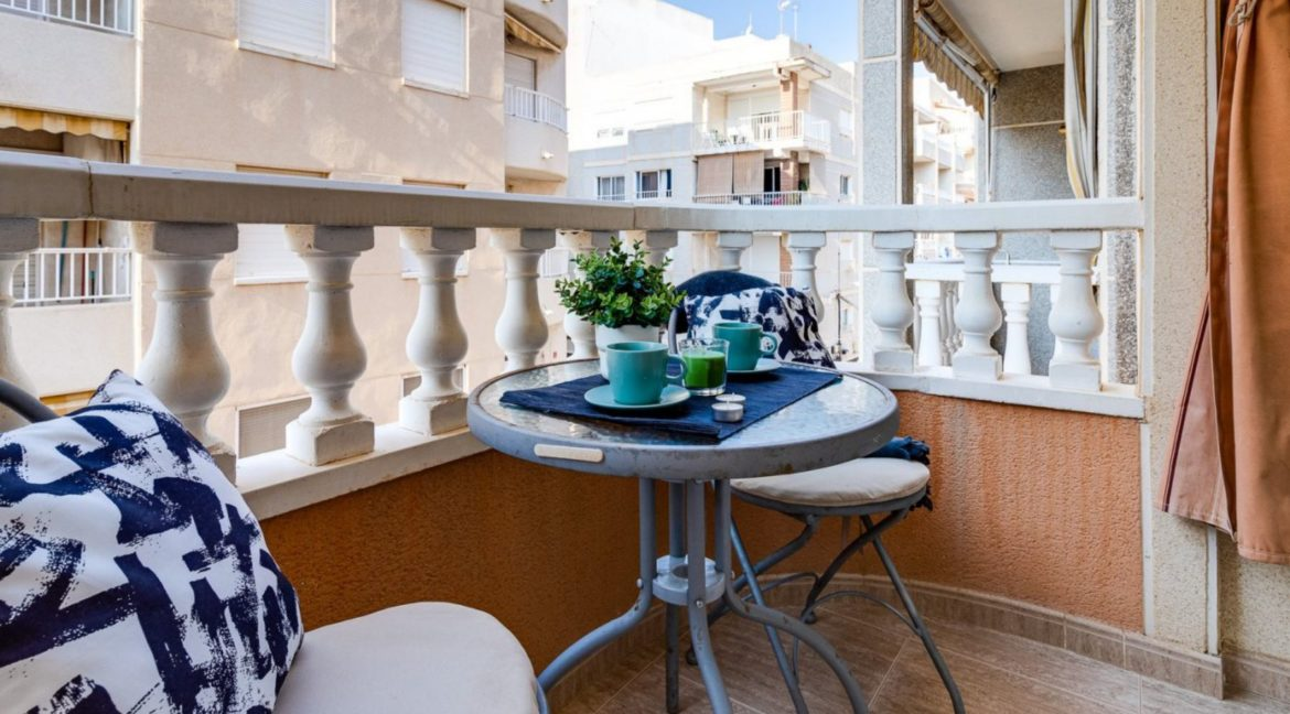 2 Bedrooms Apartment Just 200 meters from Los Locos Beach For Sale - Torrevieja (2)