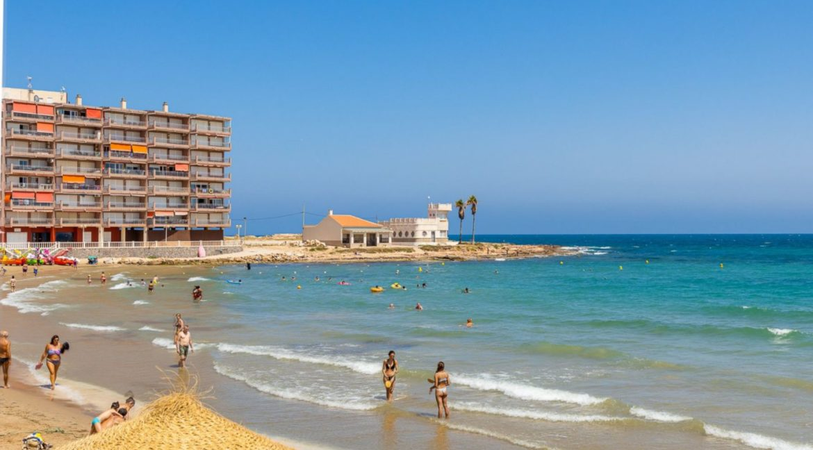 2 Bedrooms Apartment Just 200 meters from Los Locos Beach For Sale - Torrevieja (25)