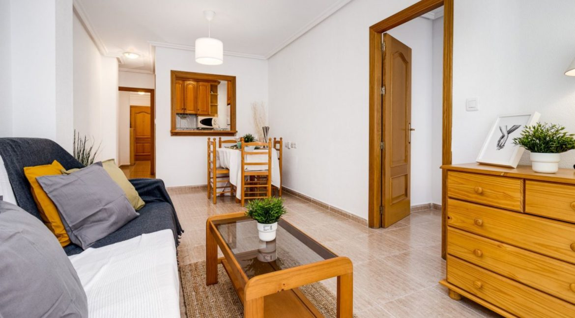 2 Bedrooms Apartment Just 200 meters from Los Locos Beach For Sale - Torrevieja (4)