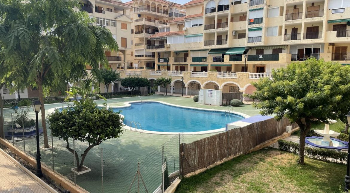 2 Bedrooms Apartment Overlooking the Pool For Sale in La Mata (1)