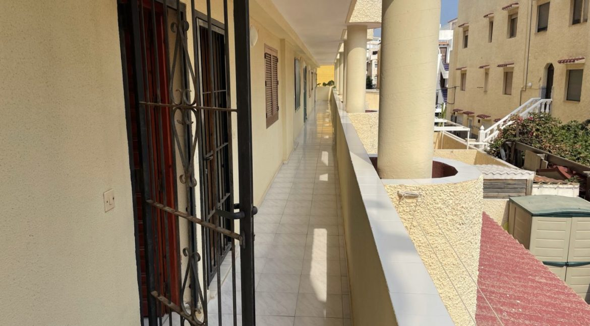 2 Bedrooms Apartment Overlooking the Pool For Sale in La Mata (2)