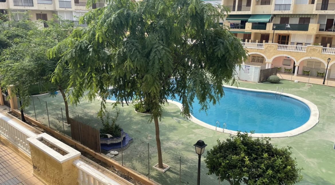 2 Bedrooms Apartment Overlooking the Pool For Sale in La Mata (5)