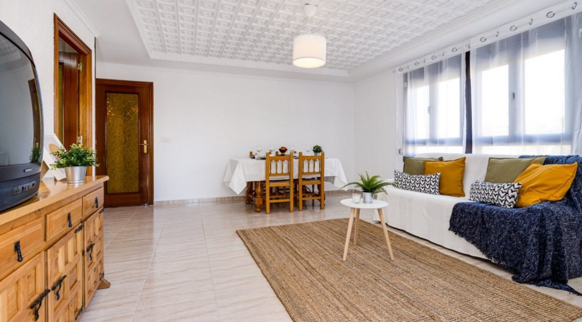 3 Bedrooms Apartment For Sale on The beachfront in Torrevieja (19)