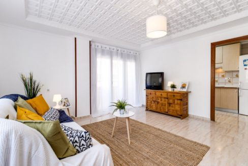 3 Bedrooms Apartment For Sale on The beachfront in Torrevieja (9)